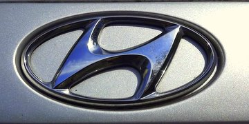 Touch up paint for 1996 Hyundai.